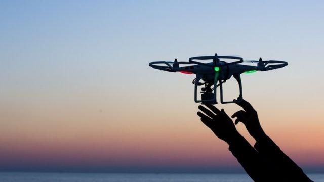 Facebook prueba un proyecto secreto con drones para optimizar la conectividad móvil