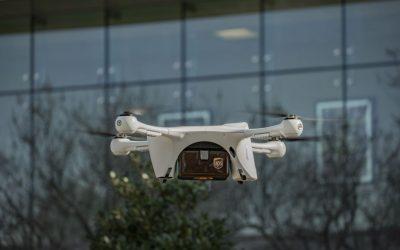 Dron de UPS hace primera entrega de muestras médicas